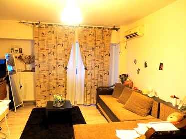 Vanzare apartament, o camera, in Sector 3, zona Vitan Mall