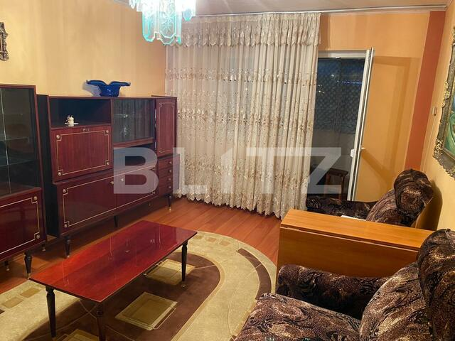 Apartament 3 camere, 70 mp, decomandat, zona Triaj